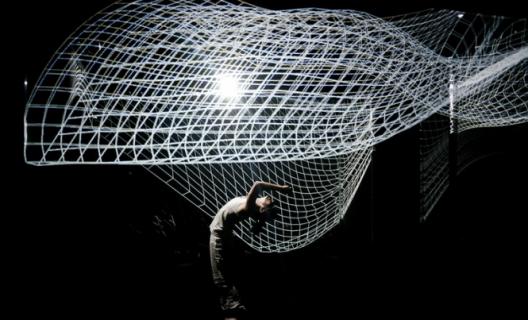 Le ballet interactif Hakanaï, d'Adrien Mondot et Claire Bardainne © Romain Etienne