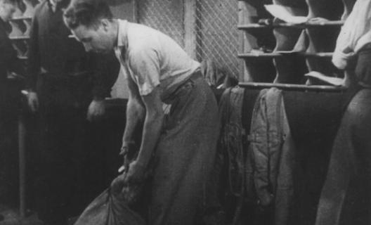 Night mail (1936), film de Basil Wright et Harry Watt