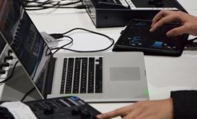 Atelier improvisation et électronique en studio à l'Ircam © Mikhail Malt